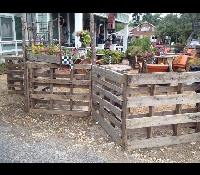 pallet fencing ideas yahoo image search results fences backyard pinterest europalette. Black Bedroom Furniture Sets. Home Design Ideas