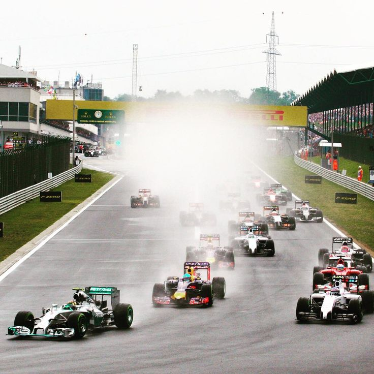 """""""Currently 36C and sunny at the #Hungaroring - unlike the start of last year's race... #HungarianGP #F1Hungary #F1 #Formula1"""""""