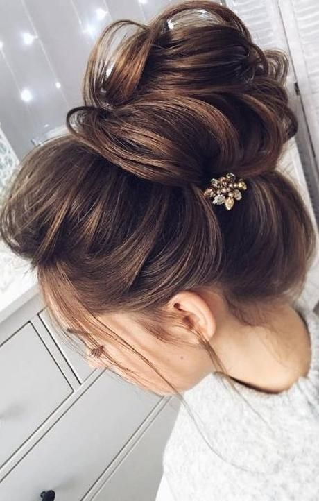 hair pin. bun.