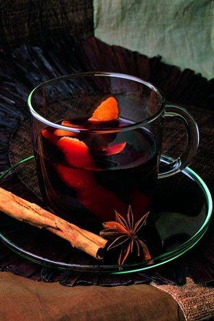 Vin chaud à la cannelle - Larousse Cuisine