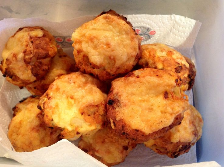 Today I thought I would share one of my all time favourite Slimming World recipes for sin free cheese scones. These scones are absolutely delicious, so easy to make and a great comfort food snack t...