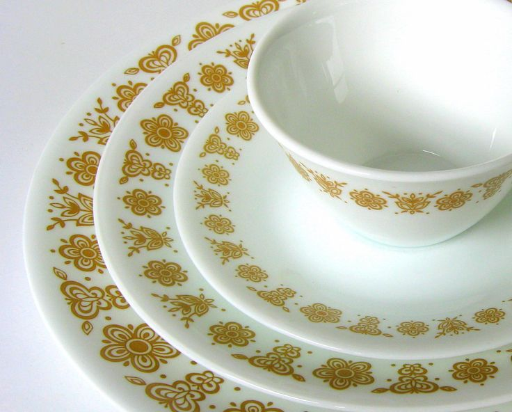 vintage dishes | 16Pc Vintage Corelle Butterfly Gold Dinnerware by CedarRunVintage