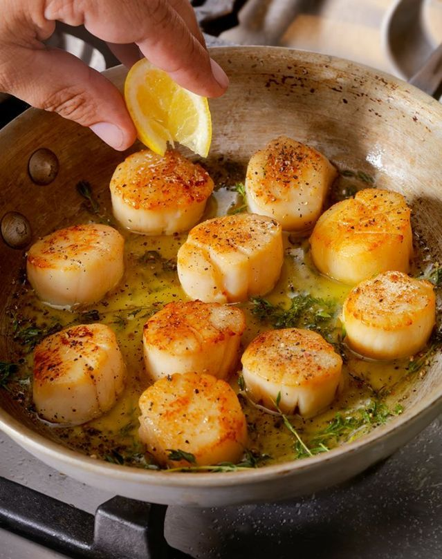 Here S The Best Way To Cook Scallops And 14 Easy Recipes To Get You Started Easy Scallop Recipes Shrimp And Scallop Recipes Seafood Dinner
