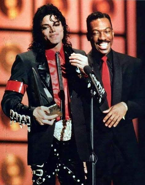 Wow! Rare picture, two of my favorites. The King of pop snd the King of comedy.#rebuildingmylife
