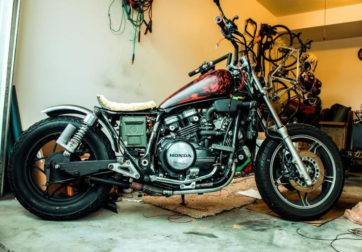 Magna Bobber/Rat Build - V4MuscleBike.com