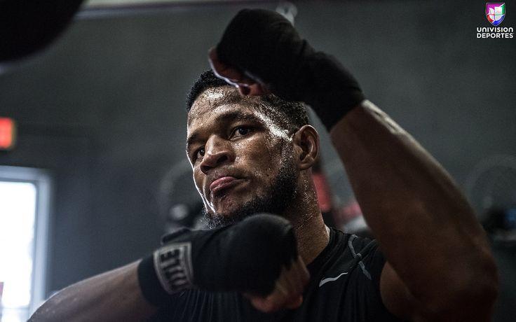 En fotos: El cubano Sullivan Barrera dando todo en preparación para Bivol. .  El próximo 3 de marzo se disputará una interesante velada en la que se disputarán dos títulos mundiales del peso semipesado. El campeón de la Asociación Mundial de Boxeo (AMB) el ruso Dmitry Bivol expondrá su cinturón frente al cubano Sullivan Barrera en lo que sería un combate atractivo. .  @d_santos_boxing_trainer @main_events @sullivanbarrera  #barrerabivol #hbo #boxing #boxeo #lsboxing #madisonsquaregarden #msg…