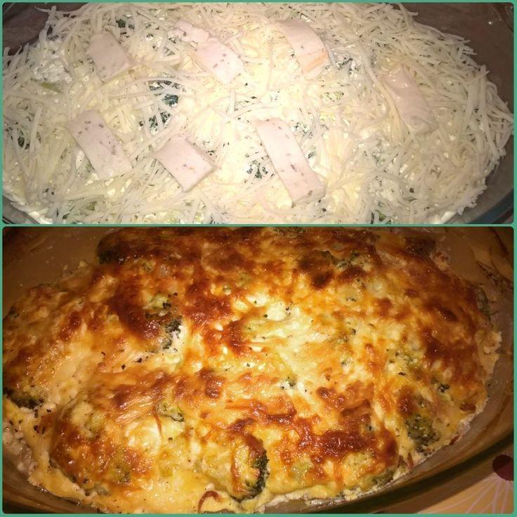 Jó pár napig  az ebéd kérdése megoldva  Brokkolis rakott csirkemell  a receptet a fittkonyha oldalon találtam: http://ift.tt/1TF4w38 (annyit változtattam rajtahogy zsírszegény túrót használtamaz volt most itthonilletve Norbi update lisztet :) ) #brokkoli #csirkemell #túrós #rakottcsirkemell #ebédre #mutimiteszel_fitt #fitfood #eatclean #healthyfood #fitgirl #lowcarb #szénhidrátcsökkentett #healthylife #fittkaja #norbiupdate #norbiupdate1 #norbiupdatehungary #update1 by gyorgy_kata