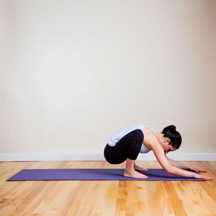 Растяжка мышц бедер поможет избежать травм во время занятий спортом и укрепит мышцы бедер. Техника выполнения и картинки упражнений на растяжку бедер приведены в статье.
