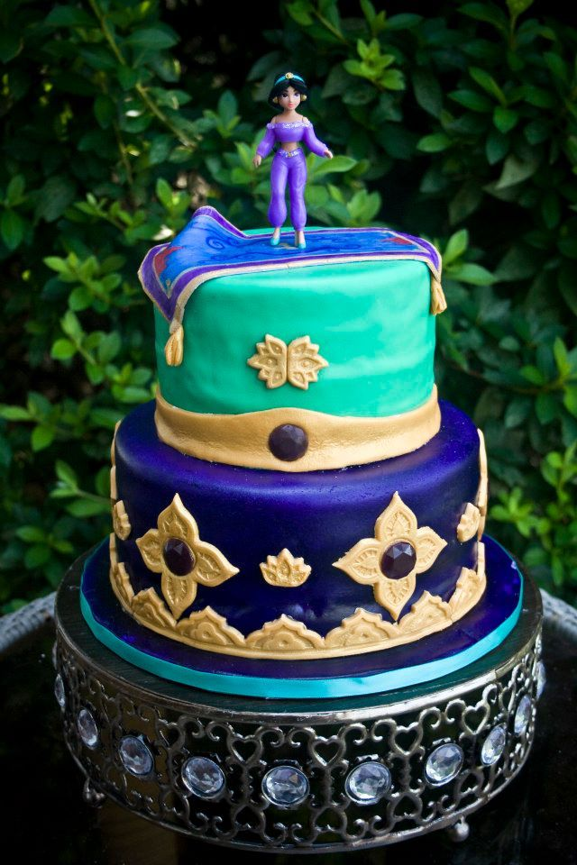 Princess Jasmine cake... awww i want this!!! my fav. disney princess