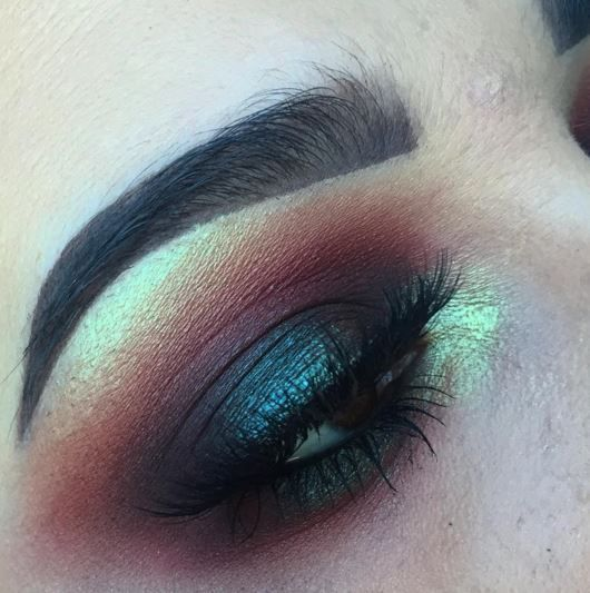 juleezzbeauty: Intense and smokey. What better way to test out my new brushes from @morphebrushes than an intense smokey eye! Used @limecrimemakeup Venus palette (icon and muse) and Venus 2 palette (pigeon and fly). Also used @makeupgeekcosmetics peach smoothie. @eylureofficial @vegas_nay grand glamour lashes. @anastasiabeverlyhills dipbrow in chocolate.