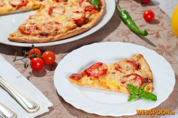 Фото Пицца с салями