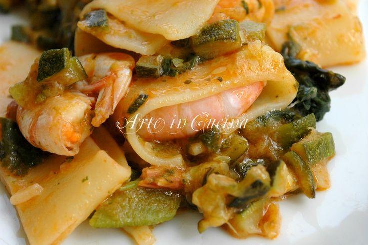 Calamarata con gamberi e zucchine, ricetta primo mare e monti, ricetta facile e veloce, calamarata mari e monti, zucchine friarielli e gamberi, menu mamma
