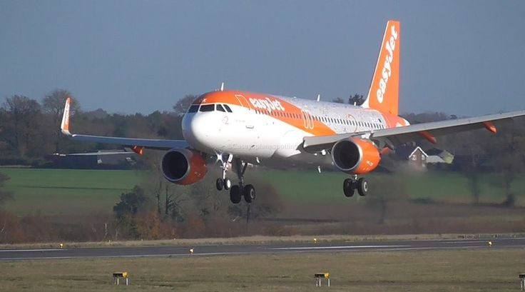 easyJet Birthday girl landing at Ltn airport #easyJet 20th anniversary plane