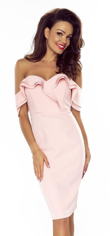 7e2ba7da0950ac Kusząca Sukienka w Kolorze Pastelowego Różu. Uwodzicielsko opadające ramiona  i uwydatniony biust przyciągną uwagę każdego