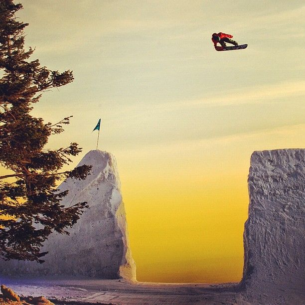 Jack Mitrani grabs a little tail at the snowboarder mag shoot!