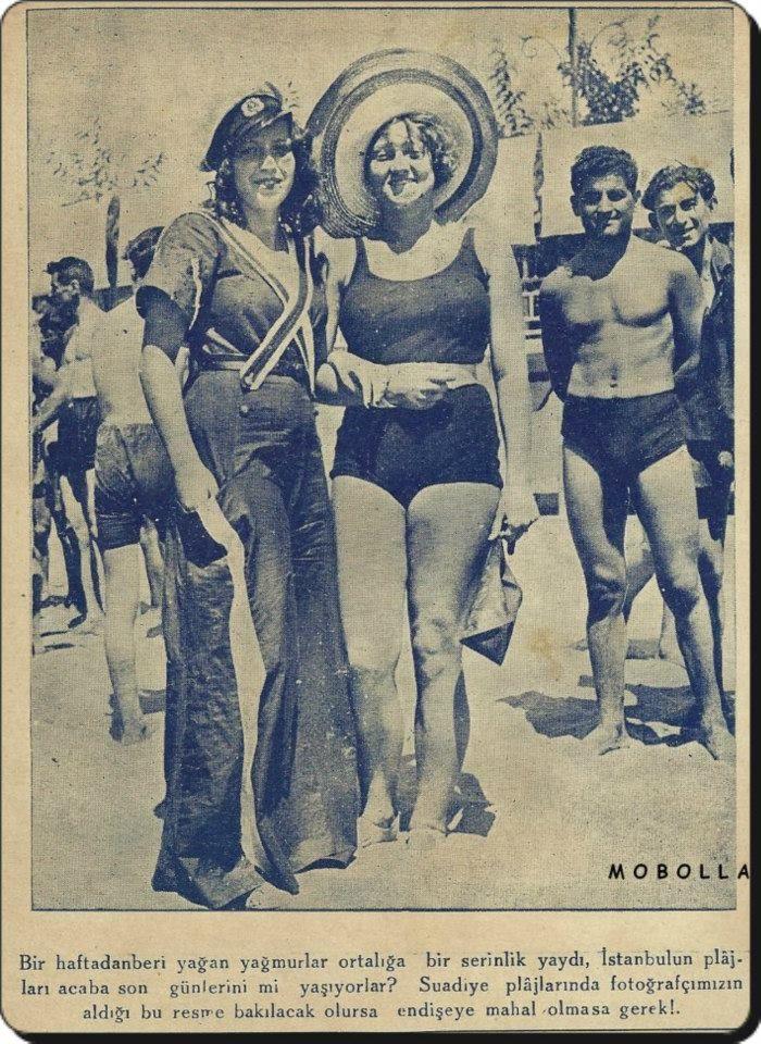 """""""Çiçekli şiirler yazmak istiyorum bayım!""""Didem Madak F: Suadiye Plajı - 1933 (Mobolla arşivinden) #istanbul #istanlook"""