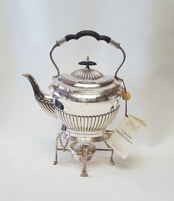 Fani Antiques Samovar epoca Vittoriana, sheffield