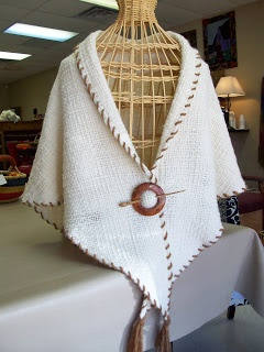 I like the edge finish on this tri loom woven shawl