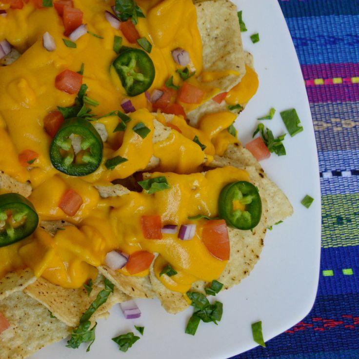 """En ocasiones me pregunto: Por qué  lo más sencillo es delicioso? Aquí la prueba #Nachos con """"no queso"""", totopos horneados, pico de gallo y jalapeños 🌿 #SaboresVeganos #ChefPlantivoro #SinAceite #SinLacteos #SinGluten #Saludable #ComidaMexicana #Vegano #AlimentacionBasadaEnPlantas #WhatChefsEat #HealthyFood #PlantPower #MexicanFood #Vegan #PlantBased #DairyFree #GlutenFree #OilFree #FoodPorn #Food #Foodie #Happy"""