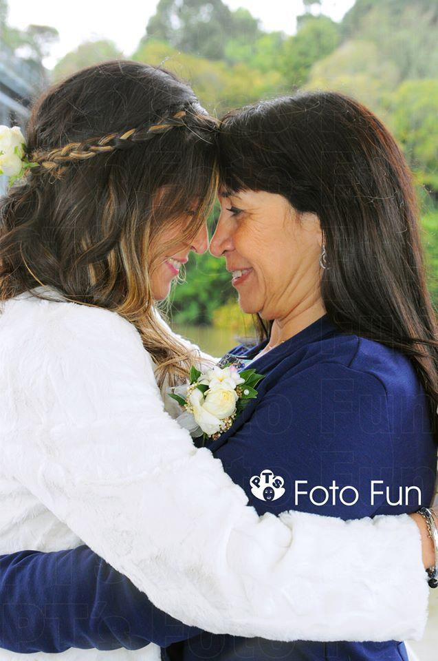 Bride with mum, Daniela