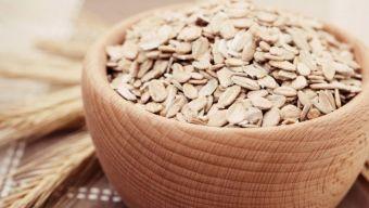 Los beneficios de desayunar, comer o cenar avena