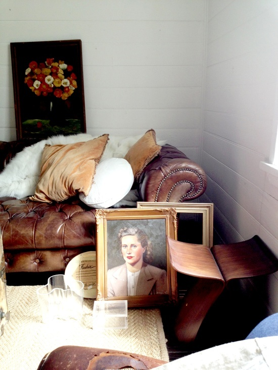 What I love most about mixing the old with the new is the way they improve one another. Pinner: Megan Morton, stylist.