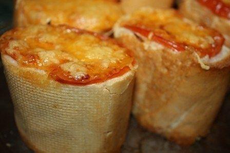 Фото к рецепту: «Пеньки» из багета