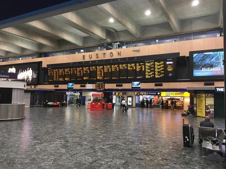 London Branch... Early Morning Start...  #roadtrip #travels #cumbria  #euston #london #stockport #manchester #outdoors #eustonstation #empty #graft #networkrail #virgintrains     #superiorqualitygarments #cumbria #vintage #fashion #lifestyle #viewpoint #outdoorvibes #coffeetime #menswear #style #unisex #fashion #tomboystyle #mensfashion #limitededition #onlineboutique #lakedistrict #thenorthernfellsclothingcompany #thenorthernfellsclothingco