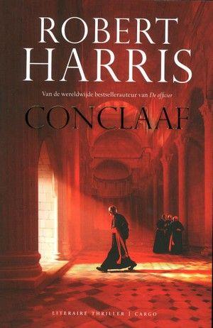 Robert Harris - Conclaaf // De paus is dood. De deuren van de Sixtijnse Kapel sluiten en er zullen honderdzeventien kardinalen hun stem moeten uitbrengen in de geheimzinnigste verkiezing ter wereld. Al snel wordt duidelijk dat een van de gedoodverfde kanshebbers een groot geheim verbergt.
