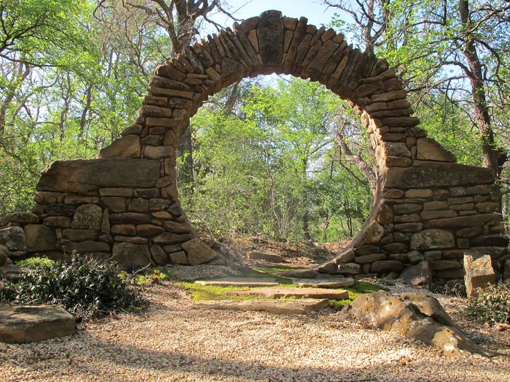 beautiful moon gate wedding garden at the star of texas bed breakfast in brownwood