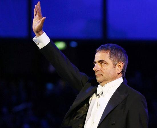 Mr Bean direttore d'orchestra: gag sul palco