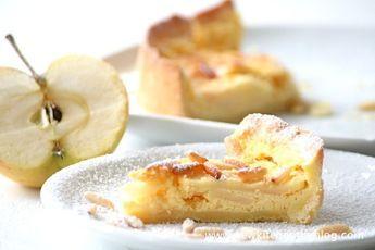 Französische Apfeltarte mit Pinienkernen