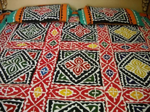 ralli - our colorful handcrafted bed spreads