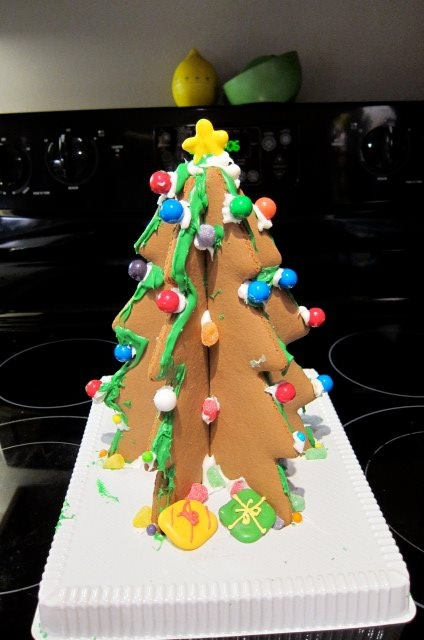 Our Homemade Gingerbread Christmas Tree Cookies!
