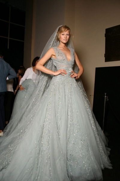 Silver Wedding Dresses, Classic And Luxurious : silver wedding dress