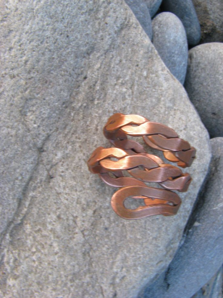 Flat copper twisted ring by Didikais on Etsy