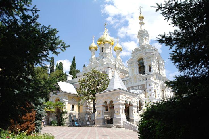 Церковь Александра Невского в самом центре Ялты #индивидуальная #экскурсия #ялта