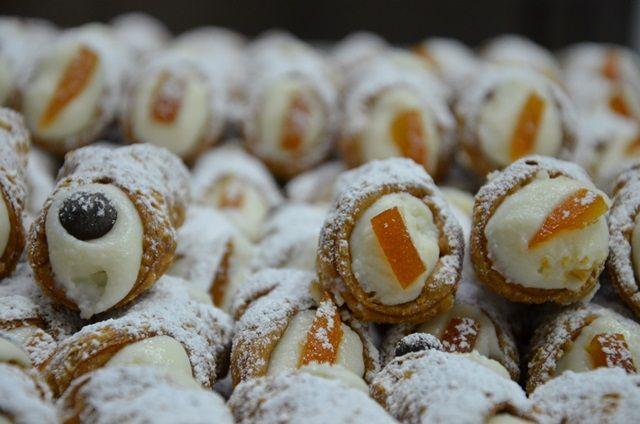 I #cannoli del Frutto della Passione a Battipaglia. www.ilfruttodellapassione.it