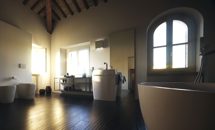 The elements that complement the new bathroom ambience ensure aesthetic appeal and customisability, resistance and enhanced durability | #Scavolini