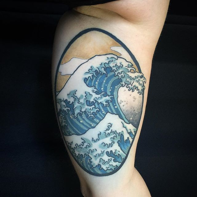 15 powerful hokusai wave tattoos tatouages pinterest totems spirituel et tatouage de. Black Bedroom Furniture Sets. Home Design Ideas