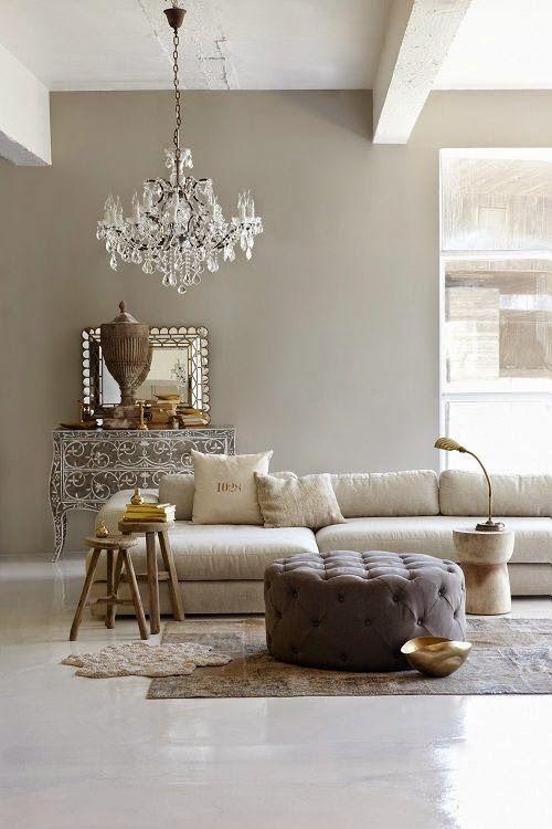 Il Greige è un colore molto di moda quest'anno, a metà tra il grigio e il beige assule le tonalità decise del primo addolcendo e riscaldando...