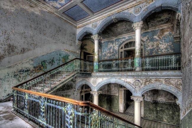 20Endroits abandonnés qui donnent froid dans ledosL'hôpital abandonné de Beelitz, Allemagne