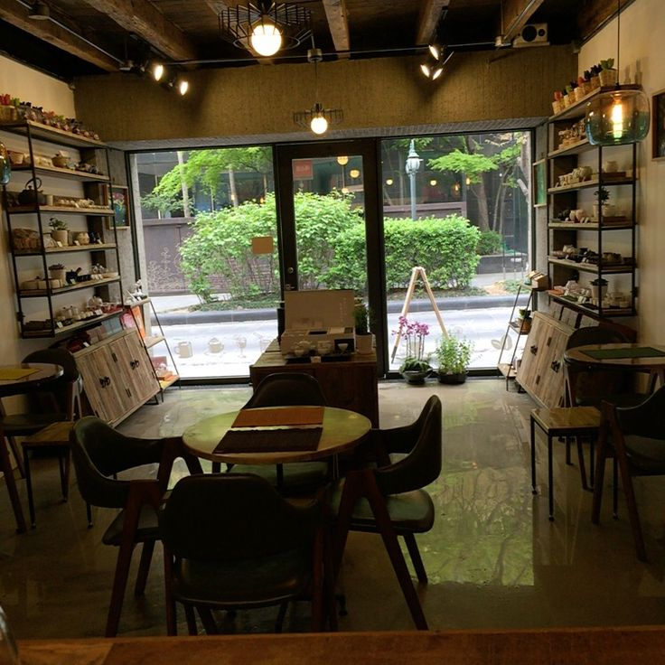 The Taiwan tea shop and coffee service … good interior and peaceful place.