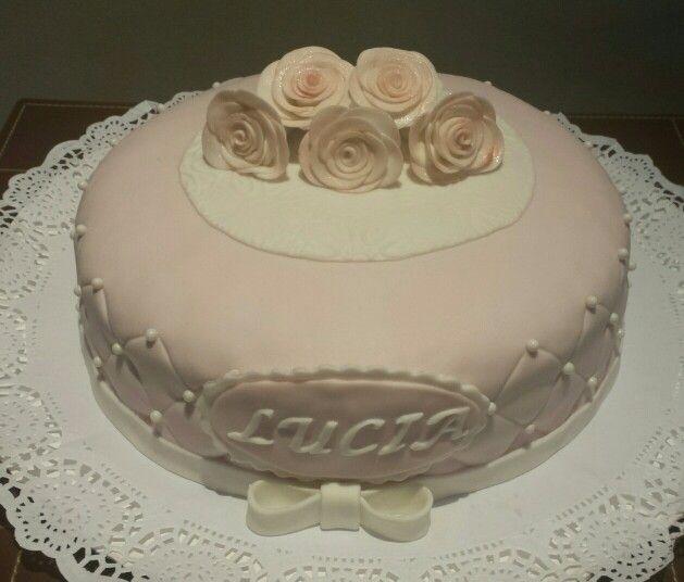 Tarta para el Bautizo de Lucia con unas preciosas rosas pintadas!!