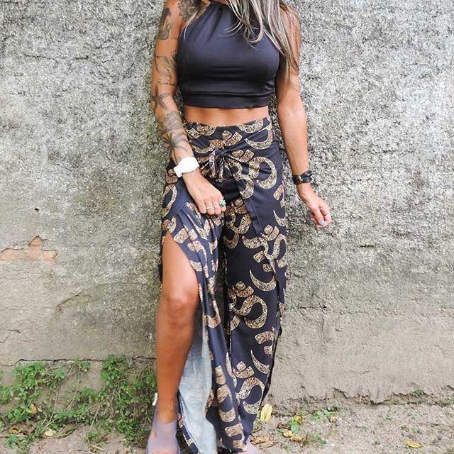 Bom diaaa!!!  Começando a semana com esse look lindo!!!! Calça Envelope OHM R$139,00 ➕Top R$79,00  •www.stodaimestore.com.br• #LOVESTODAIME #hippielife #peace #psychedelic #goodvibes #positivevibes #style #peaceandlove #calçaenvelope #frases #boho #positive #hippie #lookdodia #pant #calça #amor #soul #love #positivity #vibes #tattoo #teamo #tee #ohm #pants #amar #stodaime #ethnic