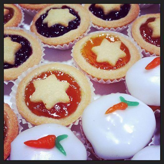 Tortina di #carote o crostatina alla #marmellata: da quale dolcetto vi fate tentare per una #colazione di tarda mattinata?