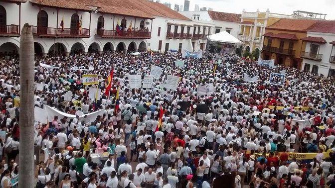 Colombianos marcharán con camiseta amarilla: Para destituir de Santos por traición a la patria, fraude electoral y por corrupto!