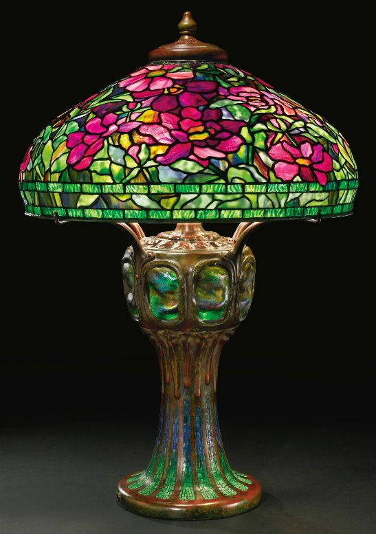 Splendid Tiffany Studios Peony table lamp, Sothebys