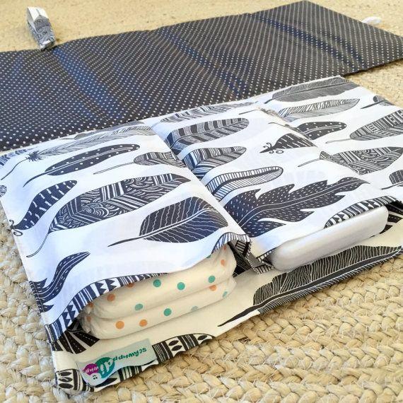 Nappy Wallet / Diaper Clutch with built-in waterproof Change