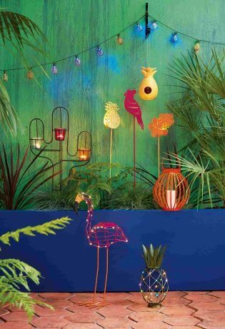 Bring your outdoor space bang up to date for summer with a pop of colour through your garden accessories!